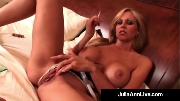 Julia ann, Smoking, Busty milf