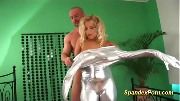 Anal milf, Suit