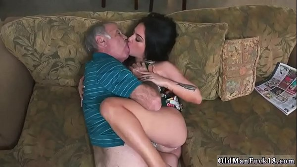 Young, Young mom, Mom threesome